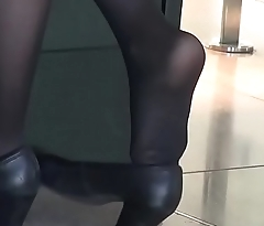 CANDID SHOEPLAY HOSTESS AIRPORT 74 - HD
