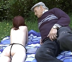 Pretty amateur young french redhead banged by oldman voyeur outdoor