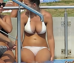 Sexy Bikini babes Voyeur HD Video Spycamm