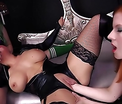CATWOMAN GETS FISTED cosplay Batman parody Mallory Sierra Lady Fyre
