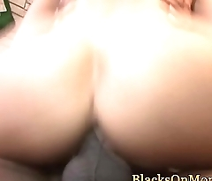 Mature agent jizzed after interracial fourway