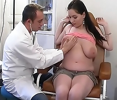 Perverse gynaecologist tastes the patient'_s pussy