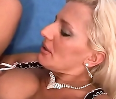 Amazing sexy milf shows her body for fuck