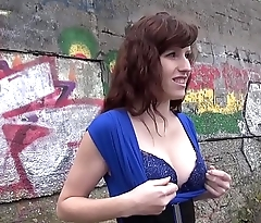 Skinny brunette fucked outdoor in cold weather by promising stranger