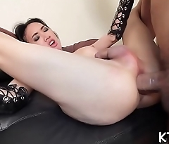 Tranny likes some messy playing