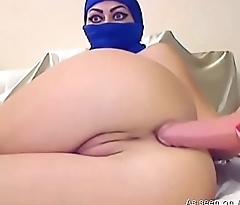 Amateur arab webcam toys both holes