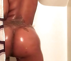 OnlyFans 18.MP4
