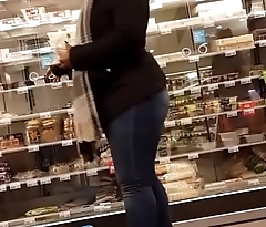 Thick shopping woman - Ayacum.com